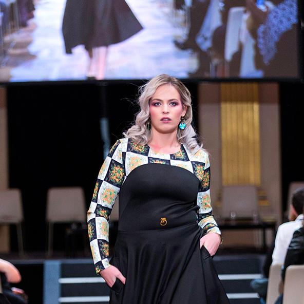 La Ville de Paris organise exposition photo pour lutter contre la grossophobie en pleine Paris Fashion Week